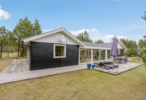 Hyggeligt feriehus med udestue og mindre aktivitetsrum
