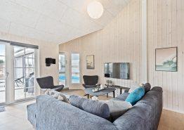 Erstklassiges luksus Poolhaus mit Aktivitätsraum (Bild 3)