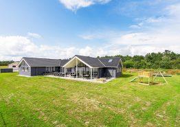 Luksuriøst aktivitets-poolhus i særklasse (billede 1)