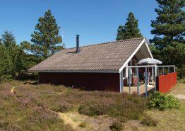 Beschauliches Holzhaus mit geschlossener Terrasse. Kat. nr.:  30267, Jeppesvej 46;