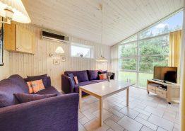 Lyst og rummeligt feriehus med sauna og spabad (billede 3)