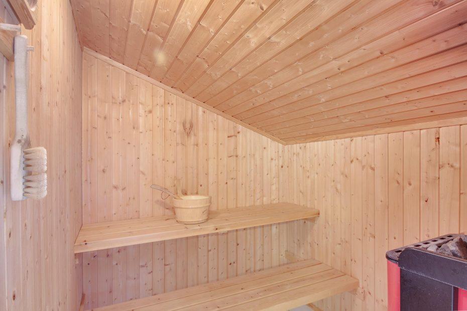 internet whirlpool und sauna f r bis zu 8 personen esmark. Black Bedroom Furniture Sets. Home Design Ideas