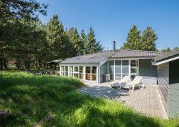 Helles Ferienhaus mit Whirlpool und Sauna in ruhiger Lage (Bild 1)