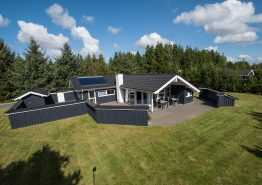 Flot og velisoleret ikke-ryger hus med sauna og spa. Kat. nr.:  30501, Søndervang 129