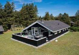 Schönes Holzhaus mit traumhaften Pavillon und großen Wohnbereich. Kat. nr.:  30524, Søndervang 62
