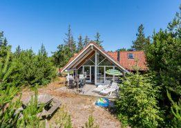 Schönes Holzferienhaus mit Sauna und Whirlpool und schöner Lage. Kat. nr.:  30625, Søndervang 122;