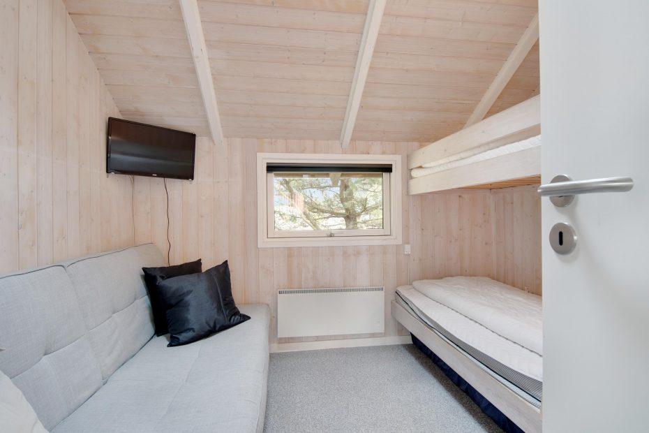 Holzferienhaus mit sauna whirlpool und sternenblick esmark - Sauna whirlpool ...