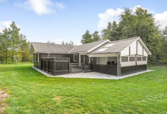 Schönes Ferienhaus in guter Lage mit überdachter Terrasse