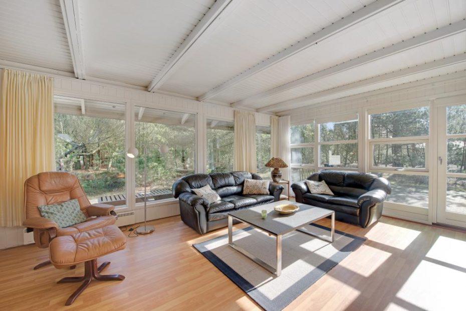 gem tliches ferienhaus mit sauna f r urlaub mit hund und familie esmark. Black Bedroom Furniture Sets. Home Design Ideas