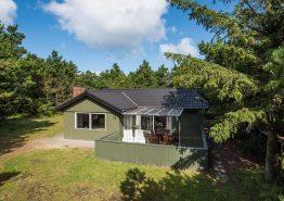 Lyst og venligt feriehus med spa, sauna og skøn beliggenhed. Kat. nr.:  40807, Sneppevej 7 B;