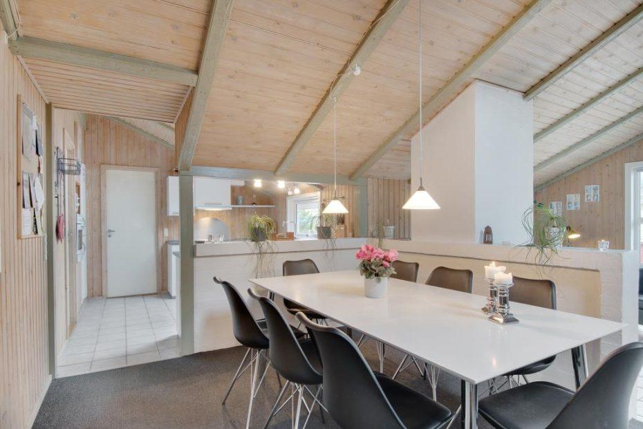 Familienfreundliches sommerhaus mit sauna und whirlpool - Sauna whirlpool ...