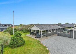 Gemütliches Ferienhaus in Henne Strand mit 2 Badezimmern