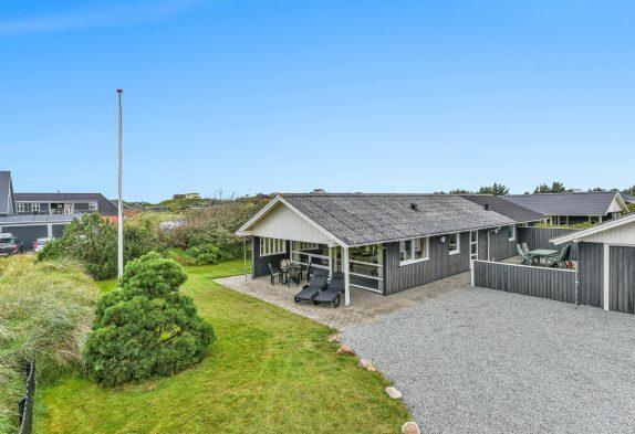 Hyggeligt feriehus i Henne Strand tæt på hav og centrum