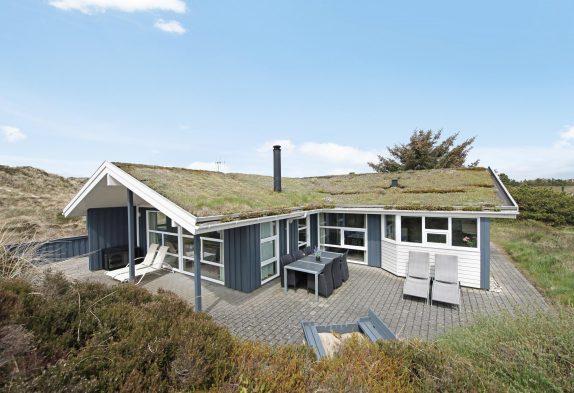 Charmerende feriehus med spa, sauna og hund tilladt