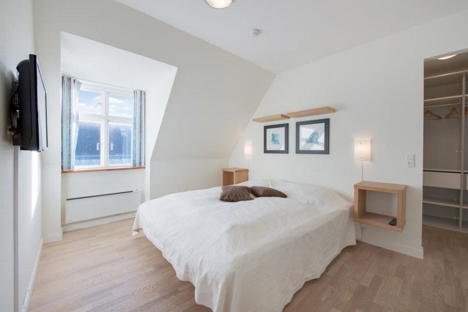 wohnung mit sauna und whirlpool im herzen von henne strand esmark. Black Bedroom Furniture Sets. Home Design Ideas