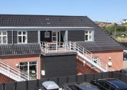 Hübsche Wohnung mit Whirlpool und Sauna mitten in Henne Strand. Kat. nr.:  40899, Strandvejen 456C;