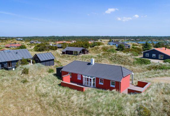 Gemütliches Ferienhaus mit Whirlpool und Sauna auf einem Dünengrundstück