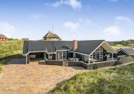 Strandnahes Ferienhaus mit grossem Whirlpool und Sauna