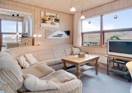 Strandnahes Ferienhaus mit schöner Aussicht und Sauna (Bild 3)