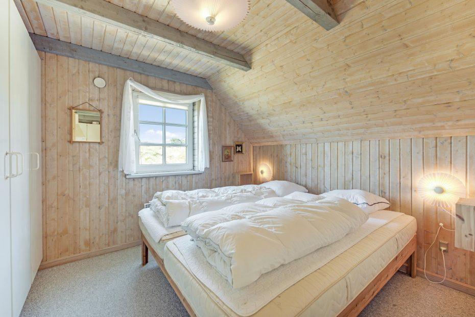 sch nes reetdachhaus mit sauna und gro er terrasse esmark. Black Bedroom Furniture Sets. Home Design Ideas