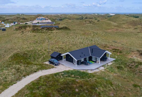 Lækkert og lyst feriehus med herlig strandnær beliggenhed