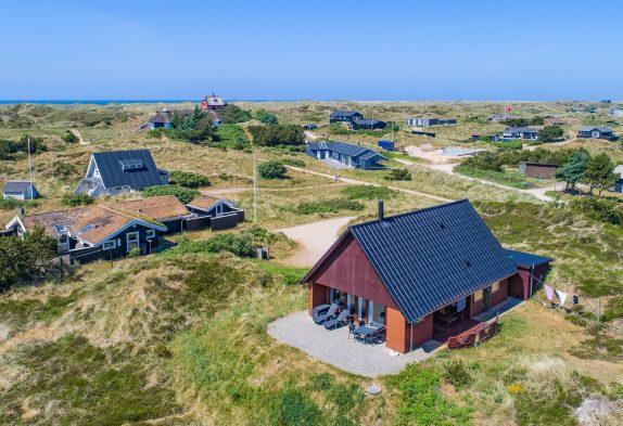 Helles und persönlich eingerichtetes Ferienhaus in Strandnähe