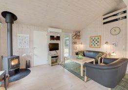 Dejligt sommerhus i ugenerede omgivelser med pavillon (billede 3)