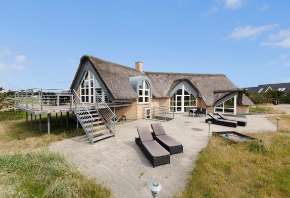 Extravagantes Poolhaus in Blåvand  in strandnaher Lage