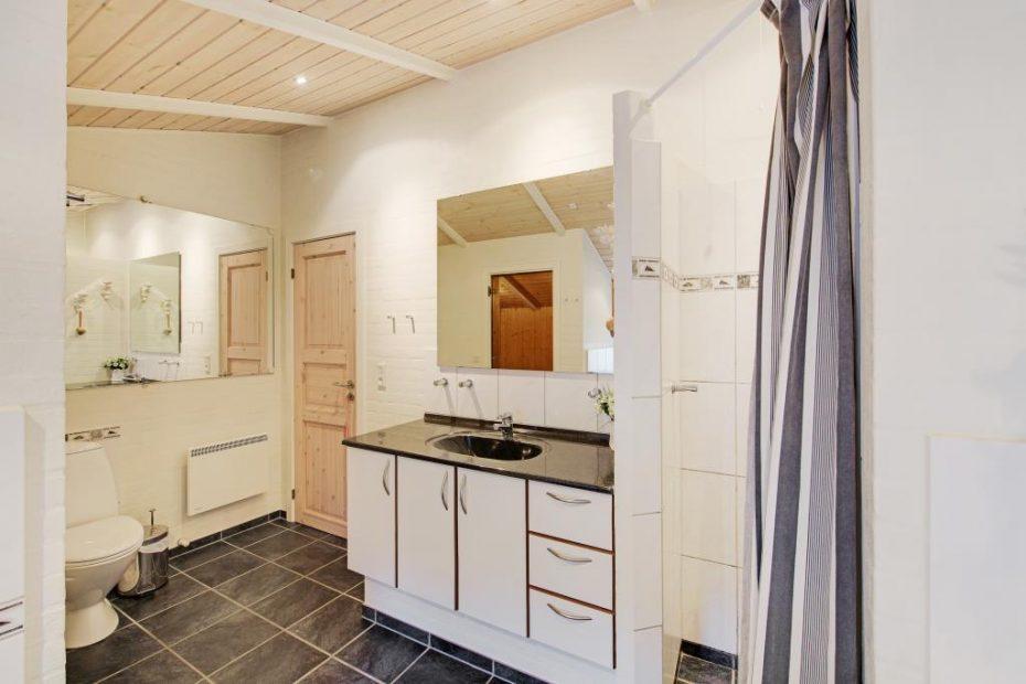 gepflegtes ruhiges haus mit sauna und whirlpool esmark. Black Bedroom Furniture Sets. Home Design Ideas