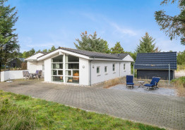 Grosses Ferienhaus mit Whirlpool und Sauna im Herzen Blåvands. Kat. nr.:  60031, Horns Bjerge 8;