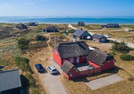 Charmerende feriehus med wellness kun 150m fra stranden (billede 1)