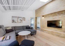 Lækkert luksussommerhus med sauna, spa og stort aktivitetsrum (billede 3)