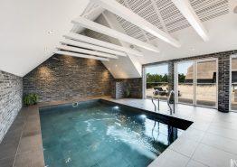 Einzigartiges Luxus-Haus mit Pool in einer tollen Umgebung (Bild 3)