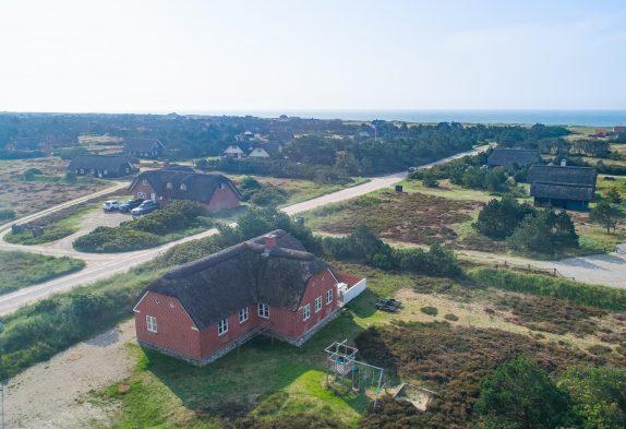 Reetdachferienhaus mit Whirlpool und Sauna 300M vom Strand