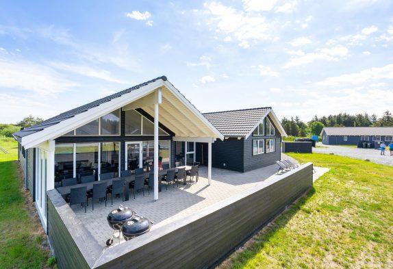 Tolles Poolhaus mit Whirlpool und grossem Aktivitätsraum
