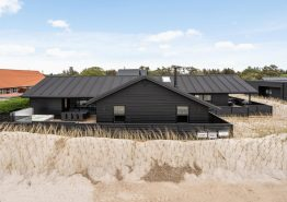 Luxuriöses Aktivitätspoolhaus in zentraler Lage Blåvands