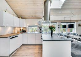 Solides 4-Sterne Ferienhaus in Ortsrandlage, Sauna und Whirlpool (Bild 3)