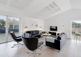 Femstjernet luksushus med aktivitetsrum, sauna og udespa (billede 3)