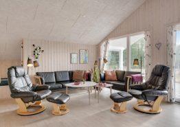 Lyst og indbydende feriehus med sauna og ugeneret beliggenhed (billede 3)