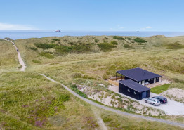 Feriehus med sauna og dejlig terrasse 50 m. fra stranden