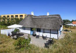 Charmerende feriehus med brændeovn og 2 hunde tilladt. Kat. nr.:  A1814, Redningsvejen 3;