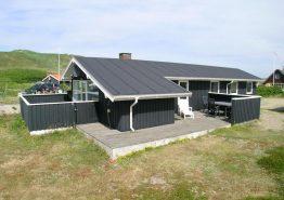 Superlækkert energivenligt feriehus 50 m fra stranden