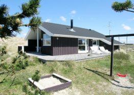 Ferienhaus mit windgeschützter Terrasse nah am Strand
