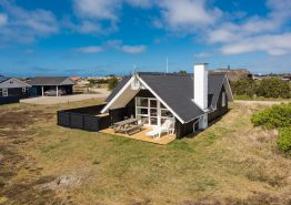 Helles Ferienhaus mit geschlossener Terrasse
