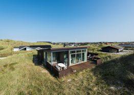 Strandnahes Ferienhaus mit Aussicht und guten Terrassen