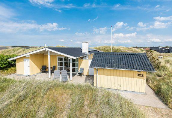Dejligt feriehus med gode terrasser, spa og sauna, tæt på havet