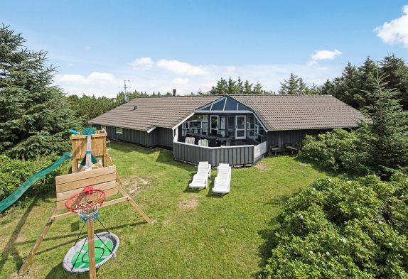 Schönes Poolhaus mit Sauna, Whirlpool und Internet