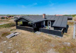 Gemütliches Ferienhaus mit Kaminofen in strandnaher Lage. Kat. nr.:  B2826, Bjerregårdsvej 295;
