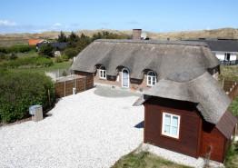 Qualitätshaus mit zwei geschützten Terrassen (Bild 1)