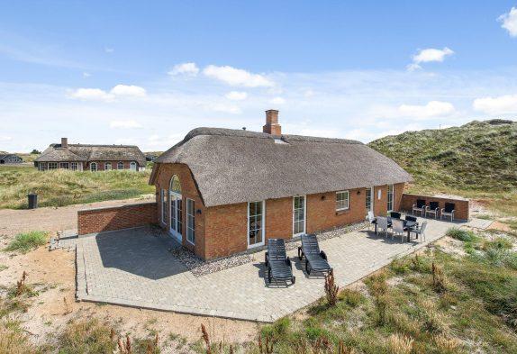 Ferienhaus mit Reetdach, Kaminofen und Sauna